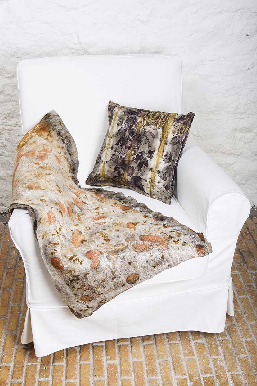 Multifunctional-felt-wrap-and-silk-cushion